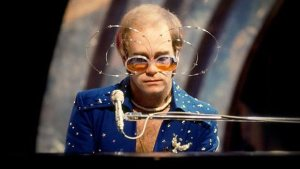 Elton in his beloved Fianna outfit