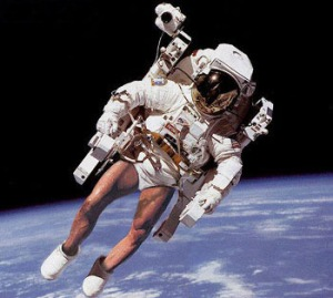 McNeill goes to toilet before returning to capsule.