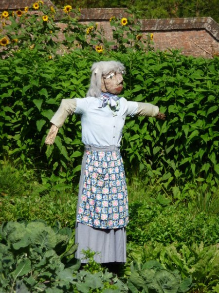 female-scarecrow