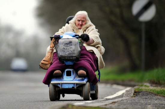 mobility-scooter-elderly-lady