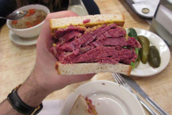Corned-Beef-Sandwich